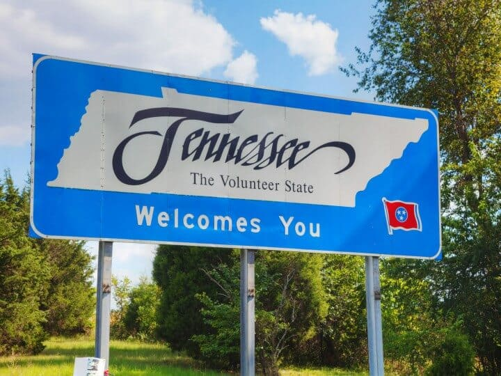 Tennessee welcomes you sign